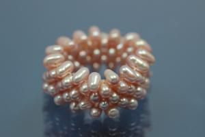 Pearl Ring 5-rows on elastic cord, Freshwater Pearls (FWP) plum
